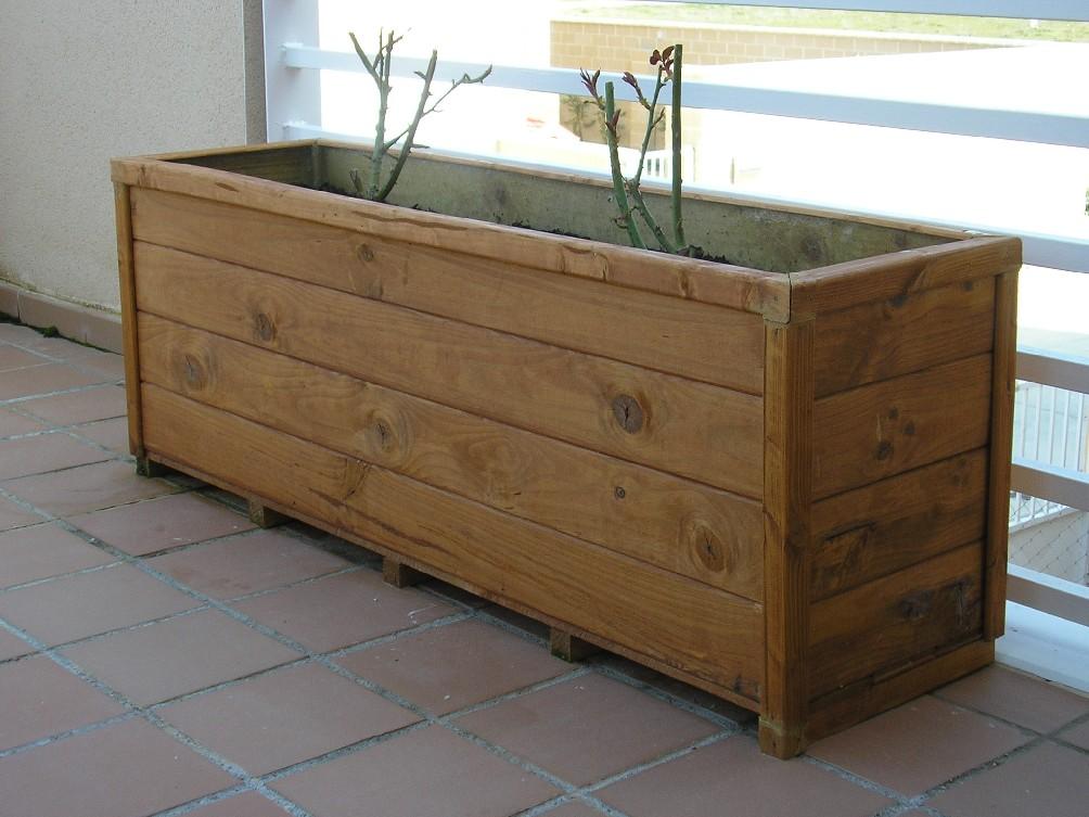 Venta de jardineras de madera for Jardineras con palets de madera
