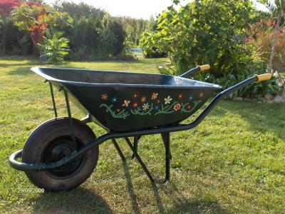 Reciclado y reutilizaci n de objetos i p gina 61 for Carretillas para jardin