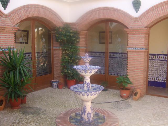Ayuda para decorar patio interior andaluz for Como decorar un patio interior