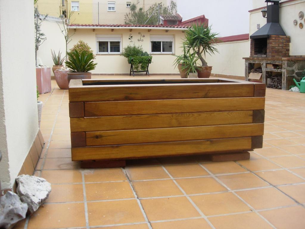 Jardinera de madera nueva he hecho for Jardineras de madera grandes