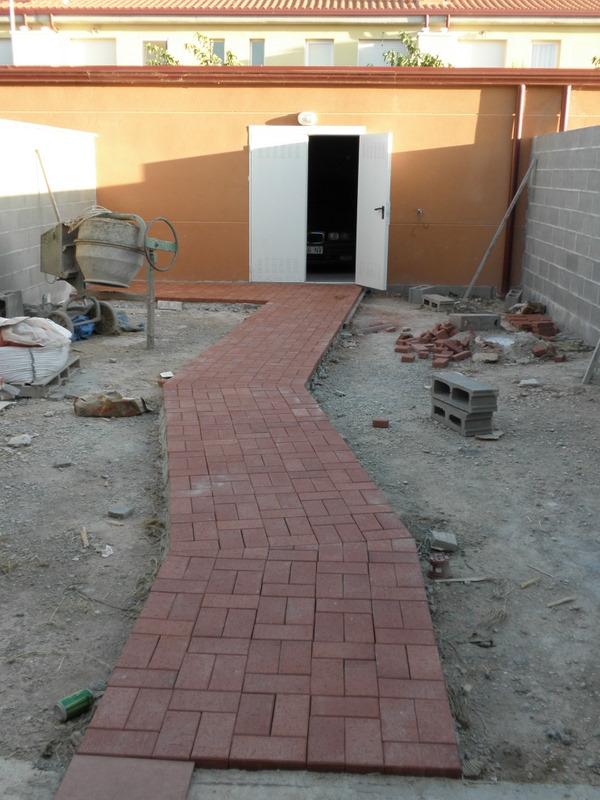 Ayuda con dise o jard n peque o 33 m2 provincia de lleida for Adoquines para jardin
